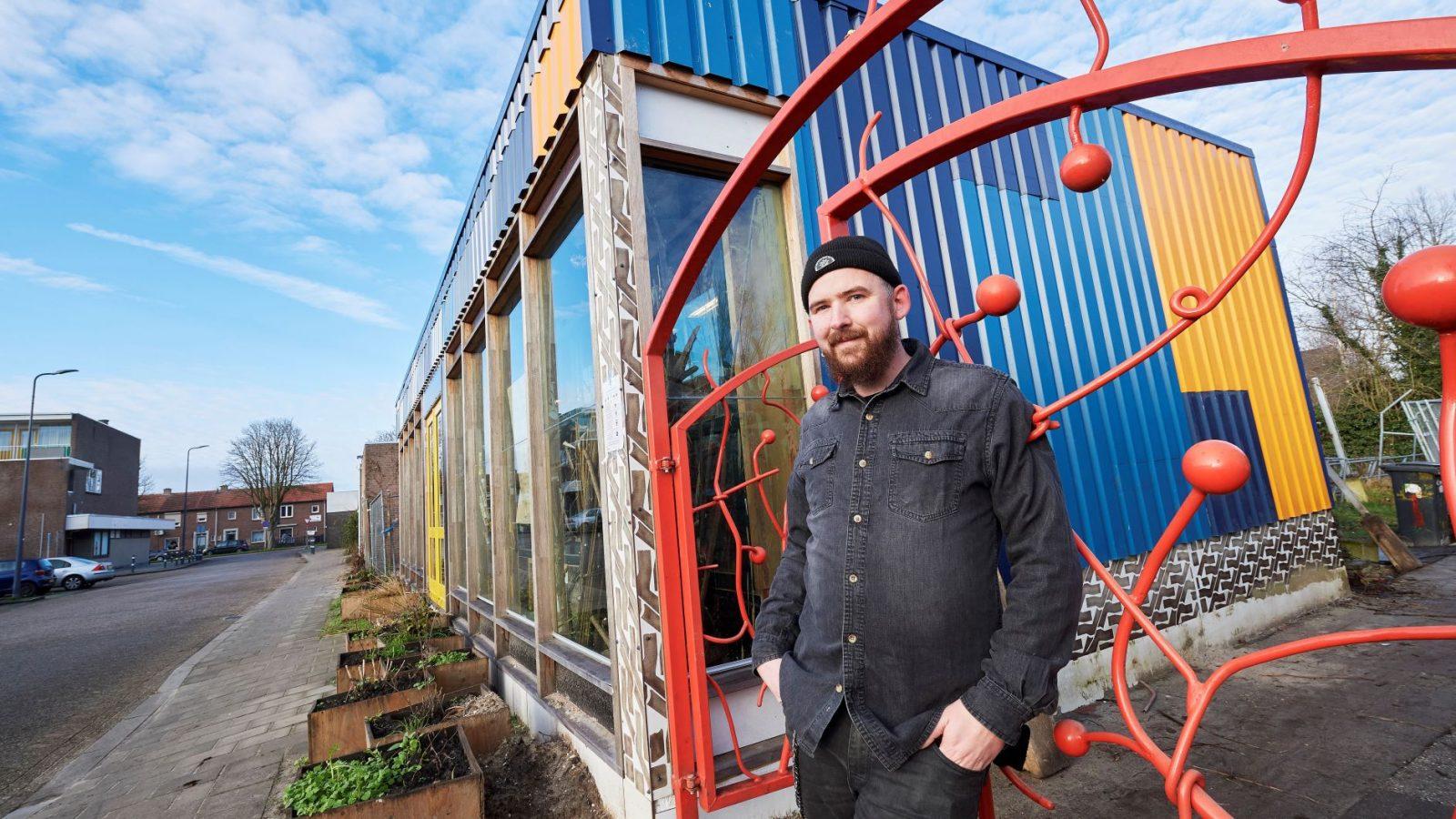Corporatie werkt nauw samen met 'krakers' in circulair sociaal woningbouwproject